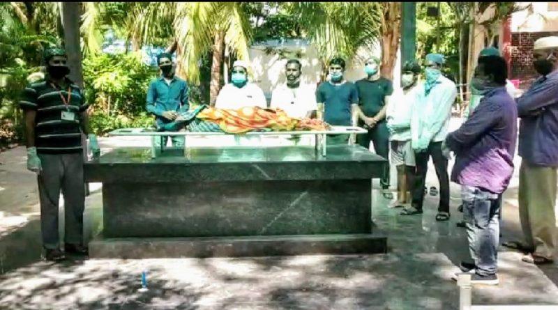 Funeral of Hindu grandmother performed by Muslim community in Lohianagar area